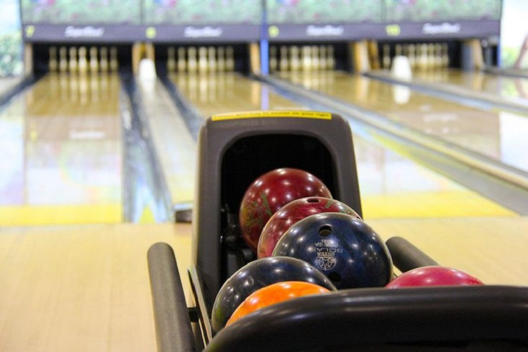 How to Throw a Fun Bowling Themed Party